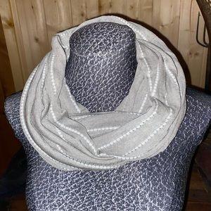 Gorgeous Gray& White Infinity Scarf